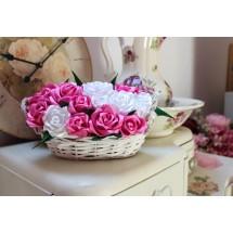 Košík s růžemi